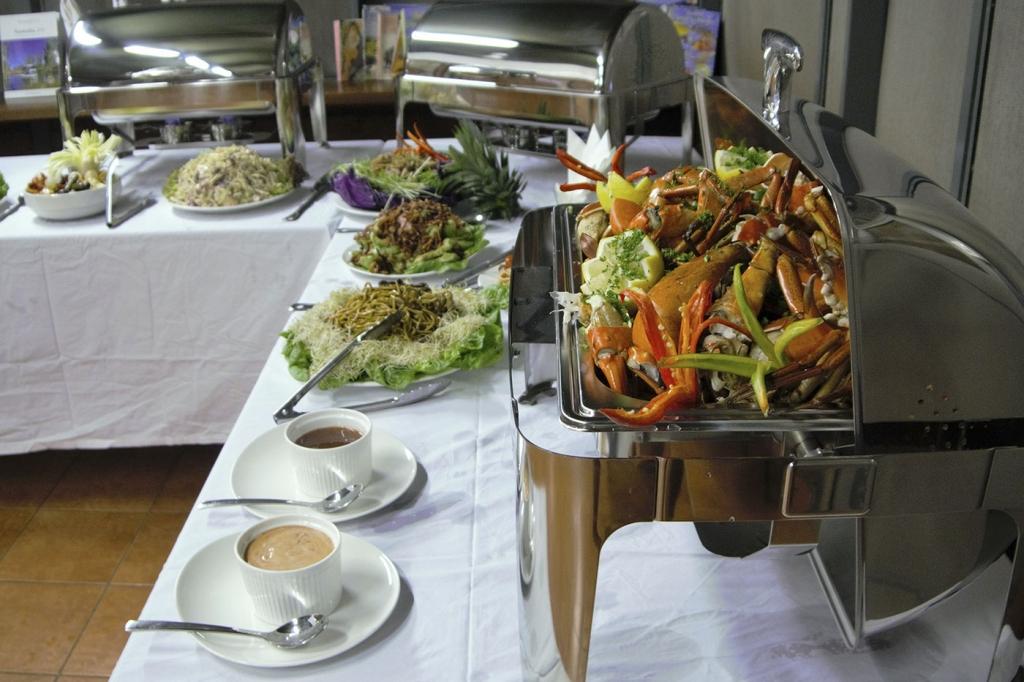 dining-crab-display